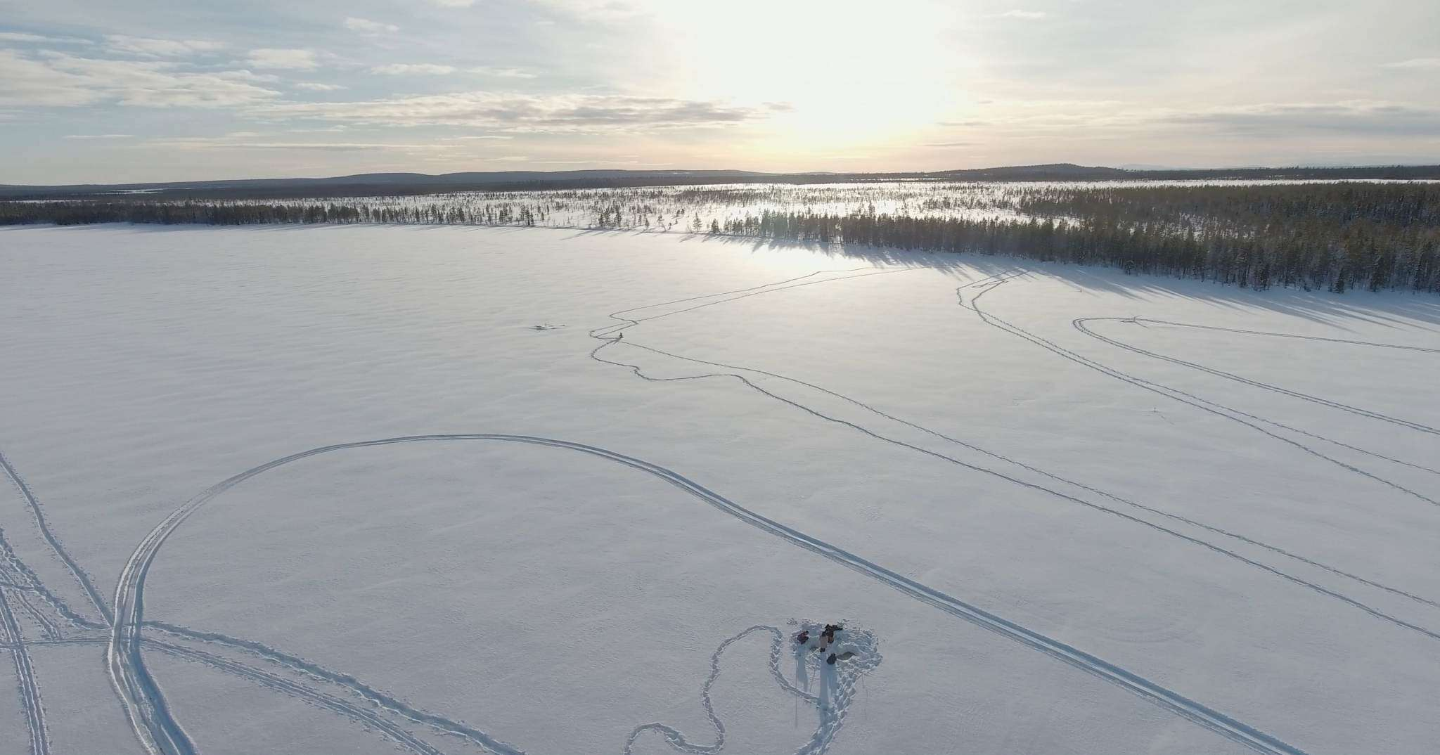IceFishing Lapland Lodge